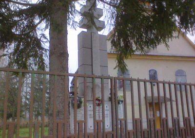 Bükkszenterzsébet világháborús emlékmű 2006.12.04. küldő-kalyhas