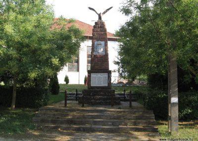 Bükkzsérc I.vh emlékmű 2009.08.12. küldő-kalyhas