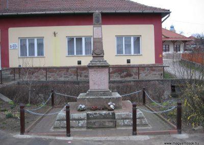 Bükkzsérc II.vh.emlékmű 2007.03.10.küldő-Kályhás