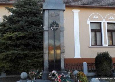 Bős I. világháborús emlékmű 2014.12.21. küldő-Méri (3)