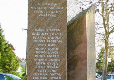 Bős II. világháborús emlékmű 2014.12.21. küldő-Méri (3)