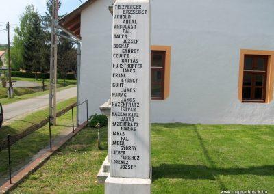 Bőszénfa II.vh emlékmű 2011.04.23. küldő-kalyhas (4)