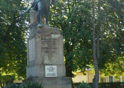 Babócsa világháborús emlékmű 2009.05.12.küldő-Sümec (10)
