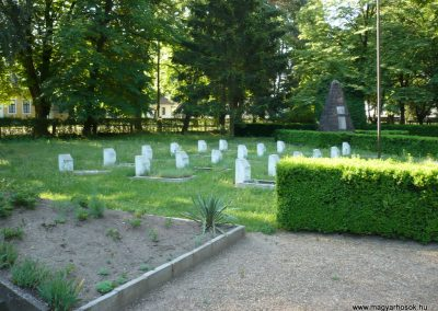 Babócsa világháborús emlékmű 2009.05.12.küldő-Sümec (9)