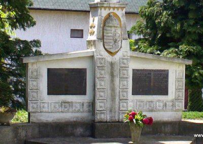 Babosdöbréte világháborús emlékmű 2008.05.25. küldő-HunMi (1)