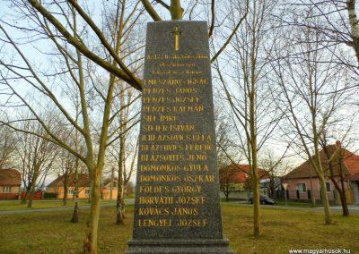 Bacsfa világháborús emlékmű 2014.12.21. küldő-Méri (1)