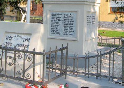 Bag Hősi emlékmű 2009.04.10. küldő-kalyhas (11)