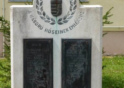 Baglad világháborús emlékmű 2010.08.13. küldő-Sümec (2)
