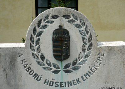 Baglad világháborús emlékmű 2010.08.13. küldő-Sümec (3)