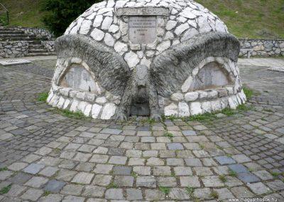 Bajót világháborús emlékmű 2010.06.26. küldő-Sümec (3)