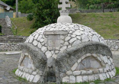 Bajót világháborús emlékmű 2010.06.26. küldő-Sümec (6)