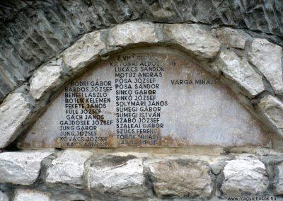 Bajót világháborús emlékmű 2010.06.26. küldő-Sümec (7)