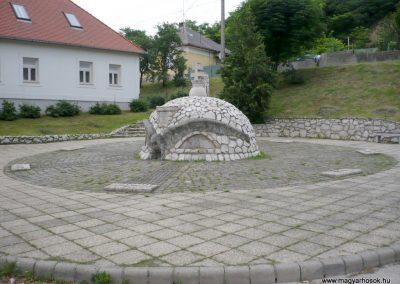 Bajót világháborús emlékmű 2010.06.26. küldő-Sümec (8)