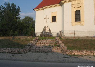 Baj I.vh emlékmű 2008.07.02.külő-Kályhás