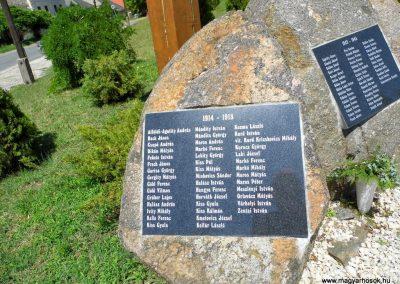 Baja, Dózsa György út, világháborús emlékmű 2014.07.12. küldő-Méri (1)