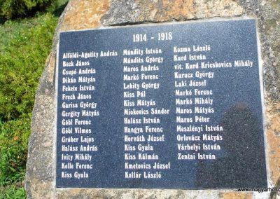Baja, Dózsa György út, világháborús emlékmű 2014.07.12. küldő-Méri (2)