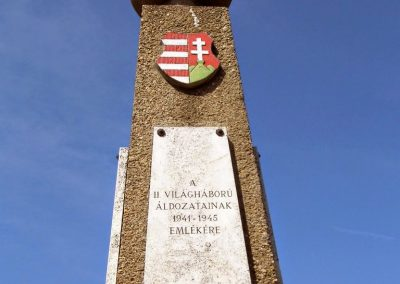 Baja, Vaskúti út, II. világháborús emlékmű 2014.07.12. küldő-Méri (2)