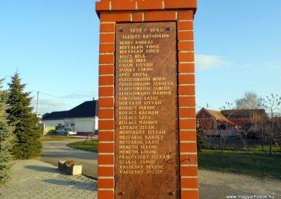 Baka világháborús emlékmű 2014.12.21. küldő-Méri (4)