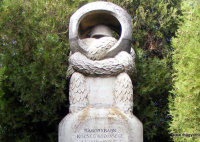 Bakonybánk világháborús emlékmű 2012.10.05. küldő-Méri (1)