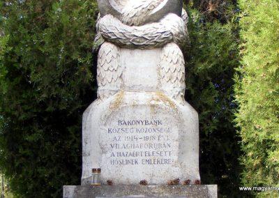Bakonybánk világháborús emlékmű 2012.10.05. küldő-Méri (2)