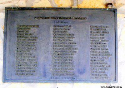 Bakonycsernye, Brezovai temető. II. világháborús emléktábla.