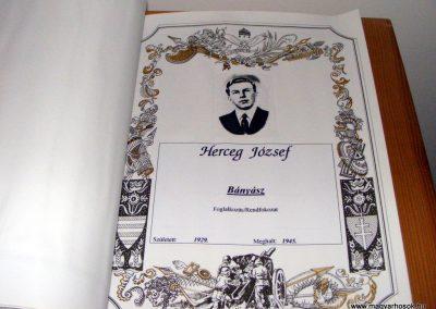 Bakonycsernye evangélikus templom Hősök könyve 2012.09.08. küldő-Méri (6)