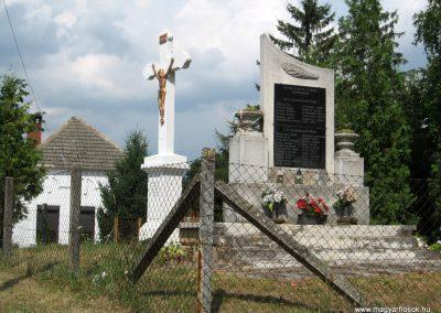 Bakonykoppány világháborús emlékmű 2010.07.21. küldő-kalyhas (1)