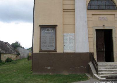 Bakonynána világháborús emléktáblák 2010.07.24. küldő-kalyhas (1)