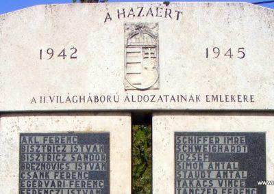 Bakonysárkány II. világháborús emlékmű 2012.08.13. küldő-Méri (1)