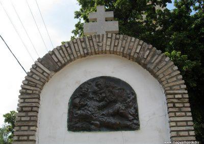 Bakonyszűcs világháborús emlékmű 2010.07.21. küldő-kalyhas (2)