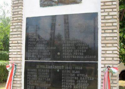 Bakonyszűcs világháborús emlékmű 2010.07.21. küldő-kalyhas (3)