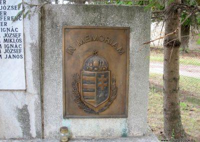 Bakonyszentiván II.vh emlékmű 2010.07.21 küldő-kalyhas (3)