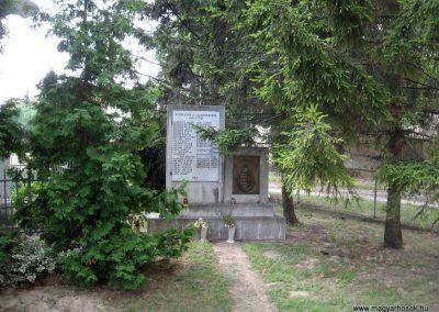 Bakonyszentiván II.vh emlékmű 2010.07.21 küldő-kalyhas
