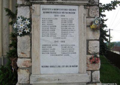 Bakonyszentkirály világháborús emlékmű 2010.07.21. küldő-kalyhas (2)