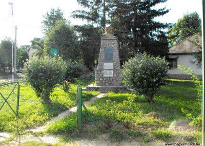 Baksa világháborús emlékmű 2012.07.31. küldő-KRySZ (1)