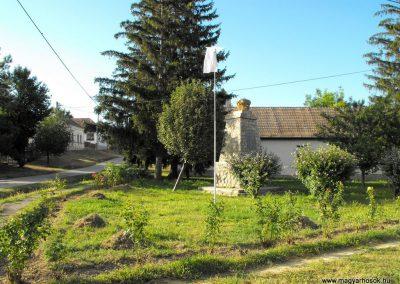 Baksa világháborús emlékmű 2012.07.31. küldő-KRySZ
