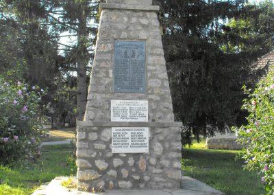 Baksa világháborús emlékmű 2012.07.31. küldő-KRySZ (7)
