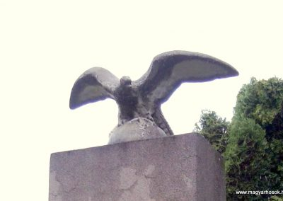 Baktüttös világháborús emlékmű 2012.05.07. küldő-Ágca (3)