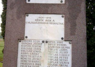 Baktüttös világháborús emlékmű 2012.05.07. küldő-Ágca (4)