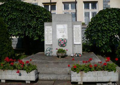 Baktakék II.vh emlékmű 2009.06.24.küldő-Gombóc Arthur