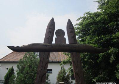 Baktalórántháza világháborús emlékmű 2013.06.22. küldő-kalyhas (3)
