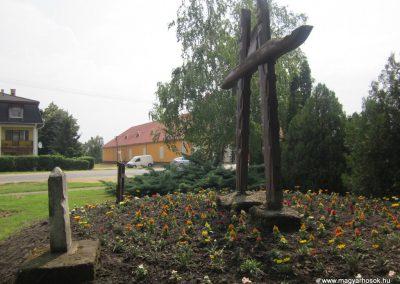Baktalórántháza világháborús emlékmű 2013.06.22. küldő-kalyhas (8)