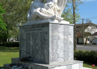 Balástya I. világháborús emlékmű felújítás után 2014.04.21. küldő-Emese (2)