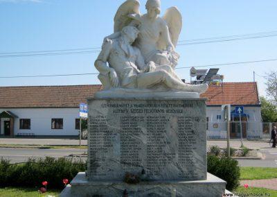 Balástya I. világháborús emlékmű felújítás után 2014.04.21. küldő-Emese