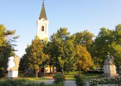 Balástya I.vh és II.vh emlékművek 2011.08.21. küldő-kalyhas (1)