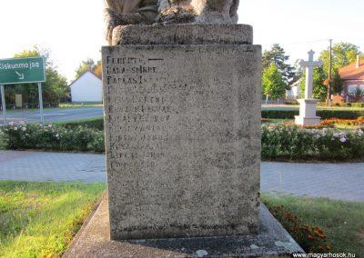 Balástya I.vh és II.vh emlékművek 2011.08.21. küldő-kalyhas (11)