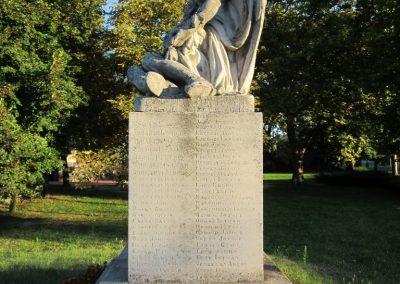Balástya I.vh és II.vh emlékművek 2011.08.21. küldő-kalyhas (6)