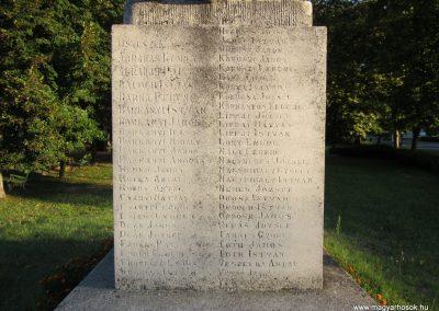 Balástya I.vh és II.vh emlékművek 2011.08.21. küldő-kalyhas (7)