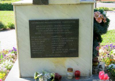 Balástya II. világháborús emlékmű - felújítás után 2014.04.21. küldő-Emese (1)
