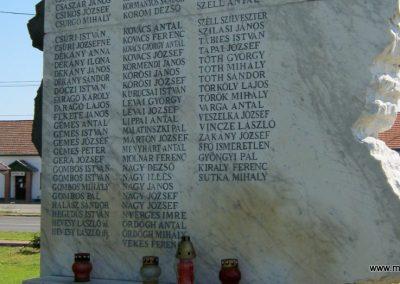 Balástya II. világháborús emlékmű - felújítás után 2014.04.21. küldő-Emese (3)